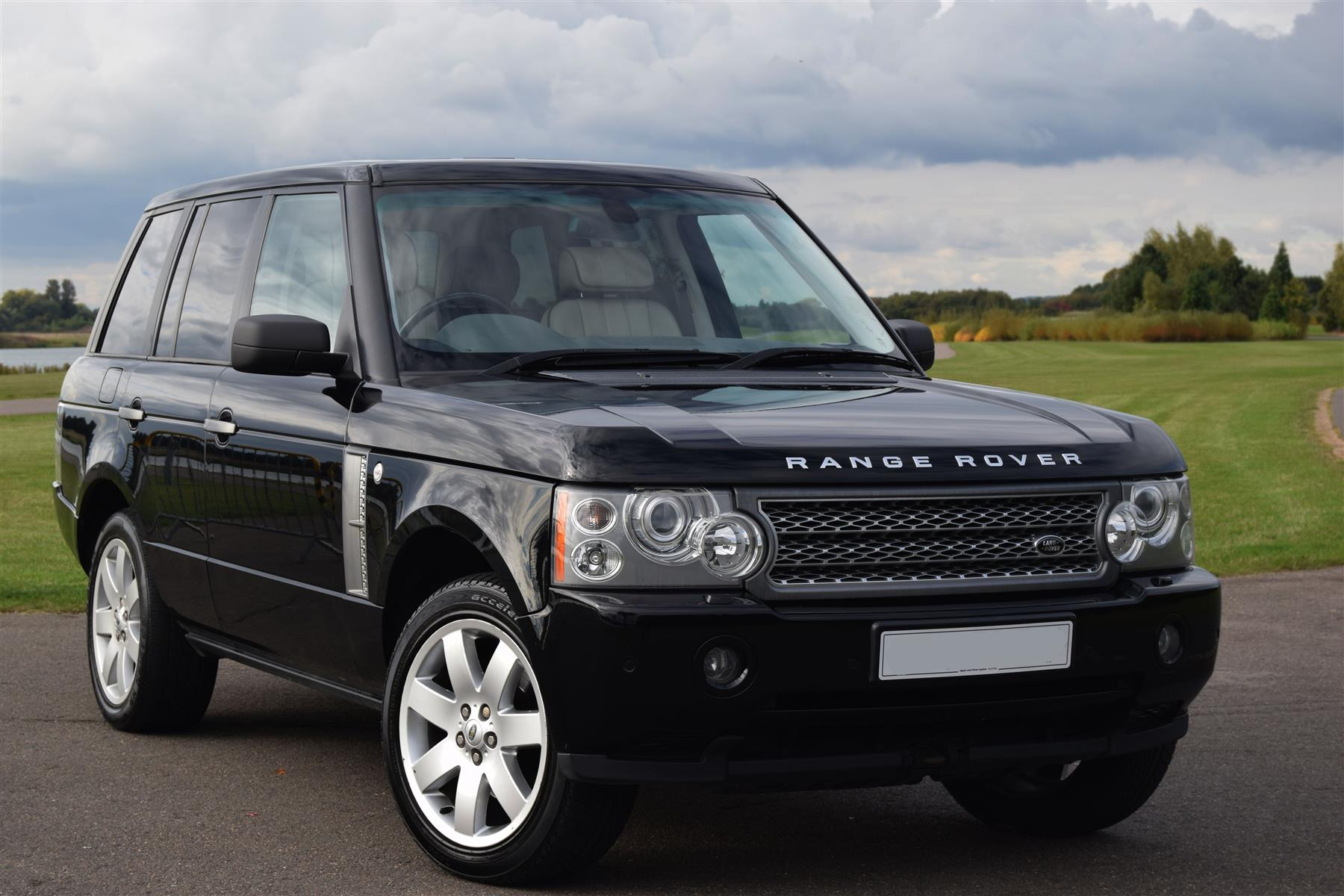 range rover v8 petrol facelift. Black Bedroom Furniture Sets. Home Design Ideas